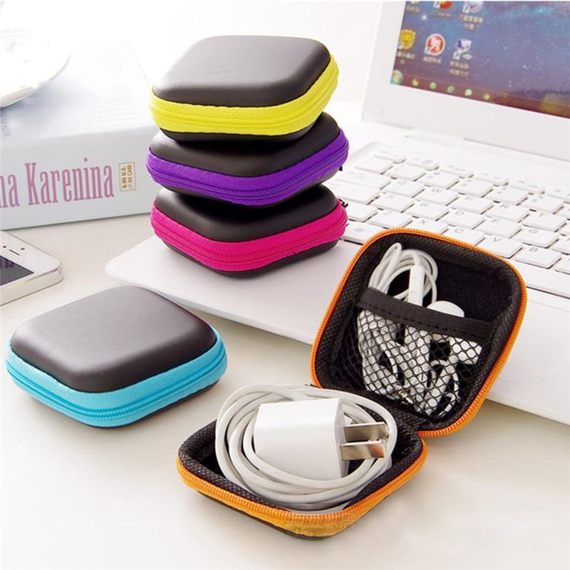 Pochette pour écouteurs et USB